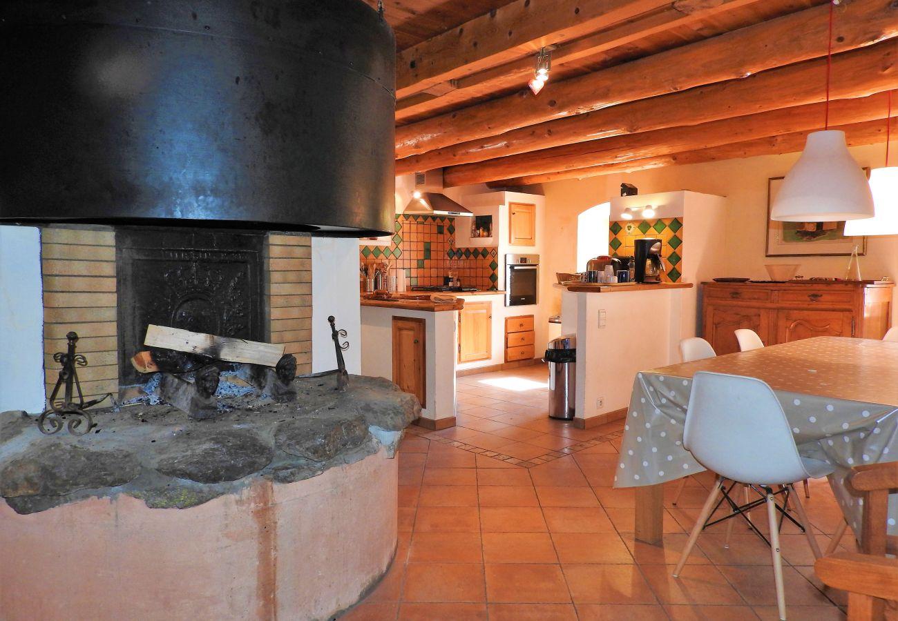 Maison à Val-des-Prés - SUPERBE MAISON DE VILLAGE - 10 PERSONNES